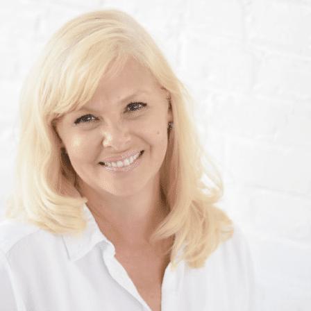Tammy Smeltz Headshot