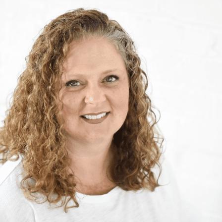 Wendy Toole Headshot